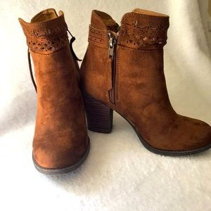 Not Rated camel colored  suede bootie size 6.5